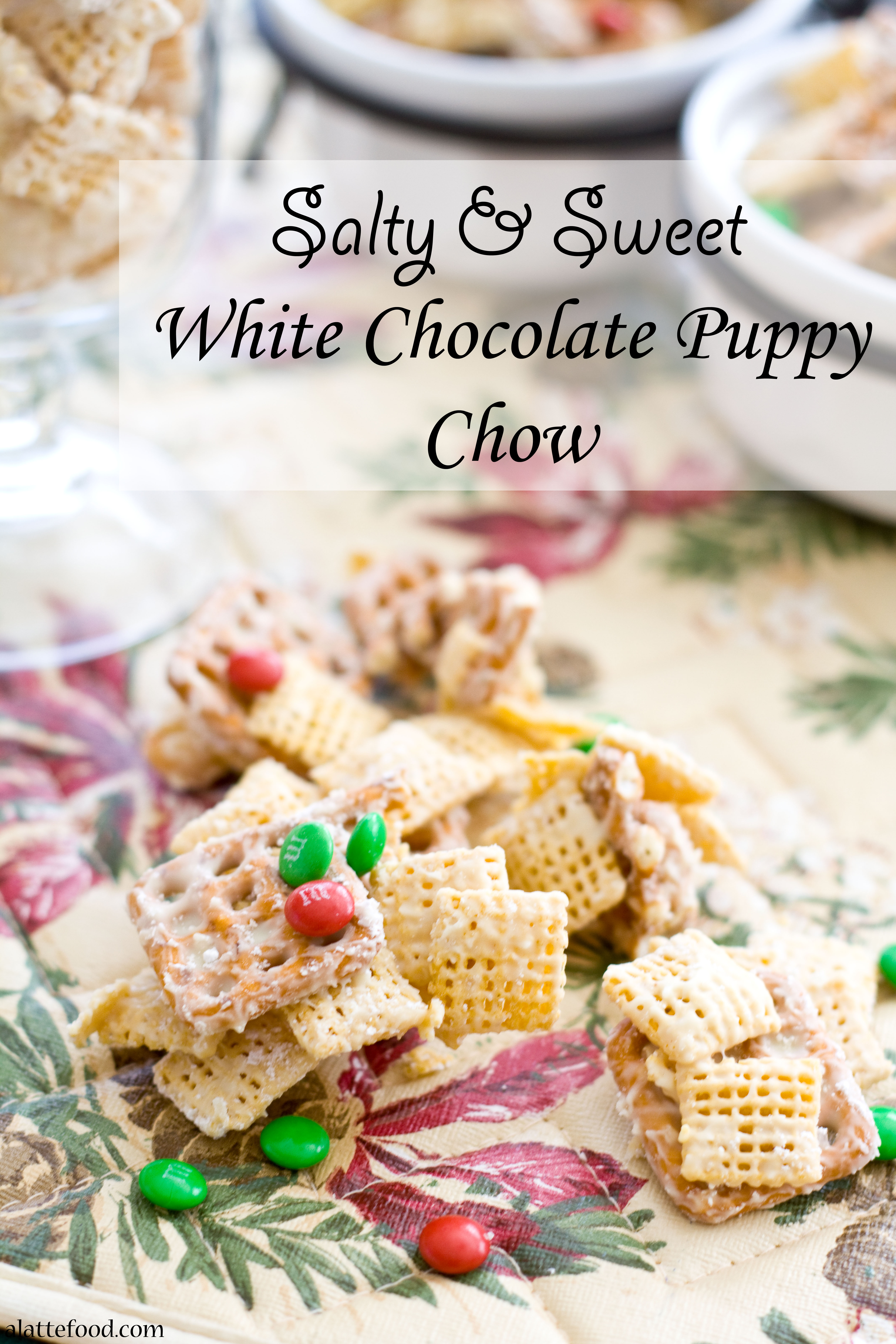 white chocolate puppy chow a latte food - Christmas Puppy Chow