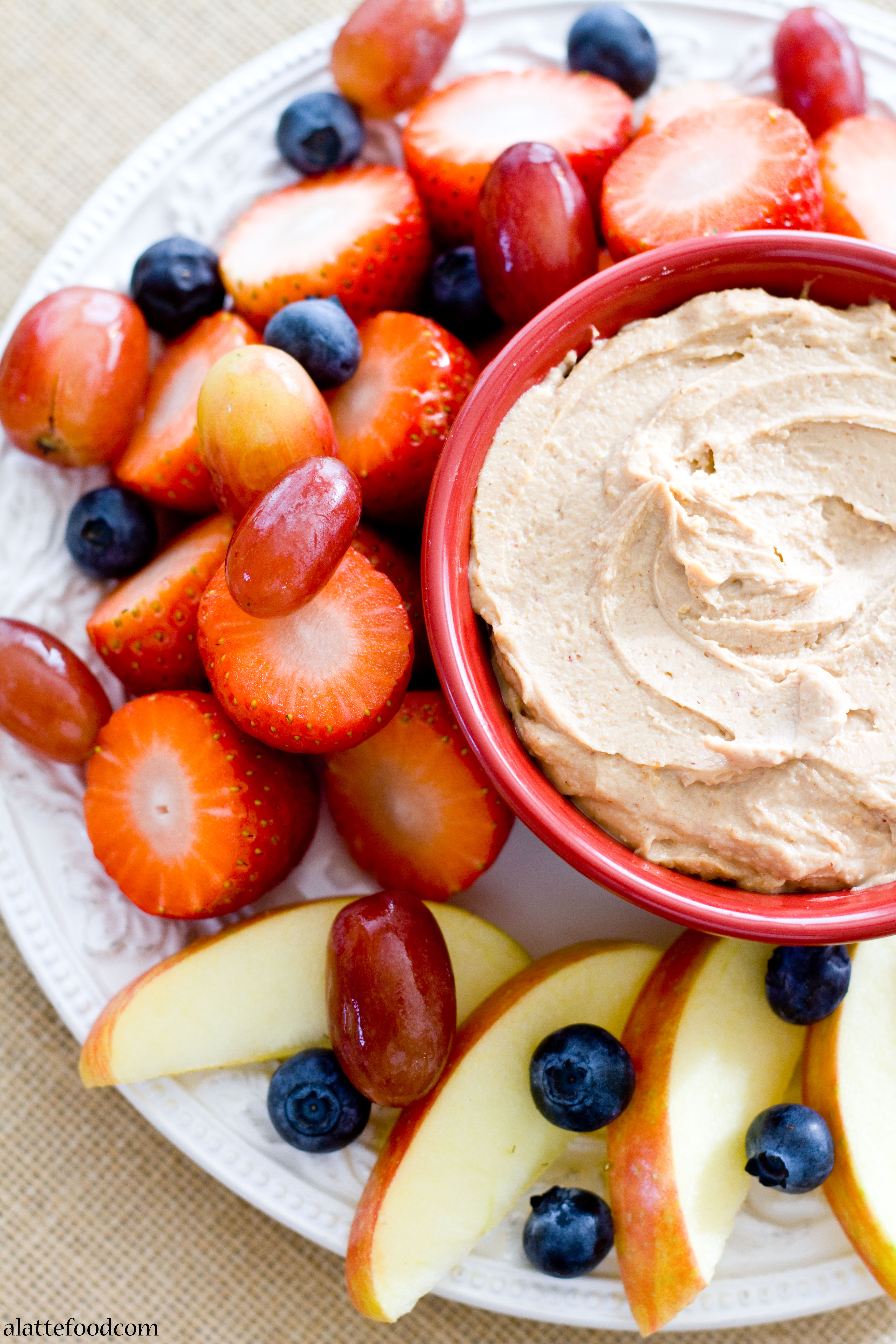 Healthy And Gluten Free Chocolate Peanut Butter Fruit Dip
