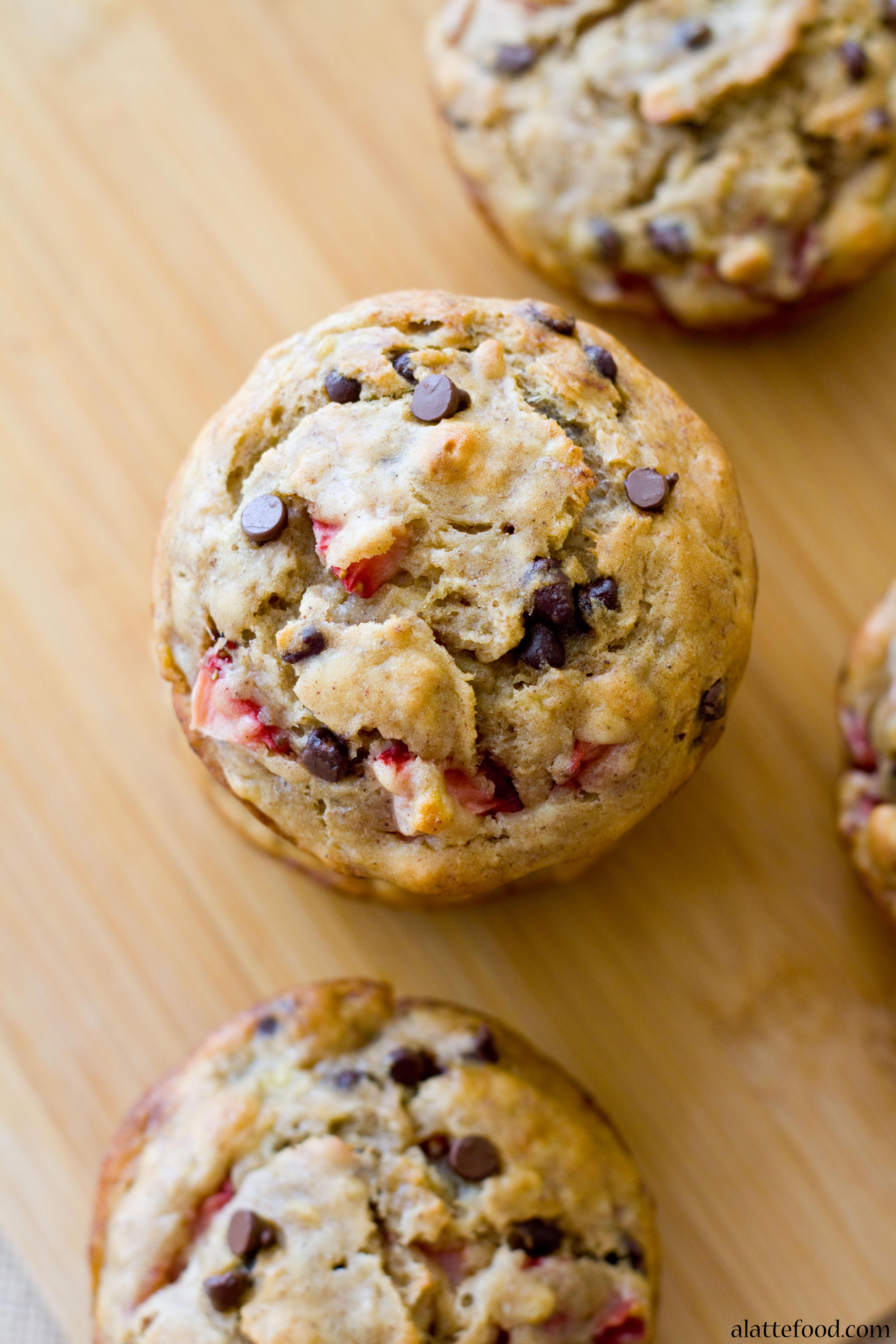 Skinny} Strawberry Banana Chocolate Chip Muffins